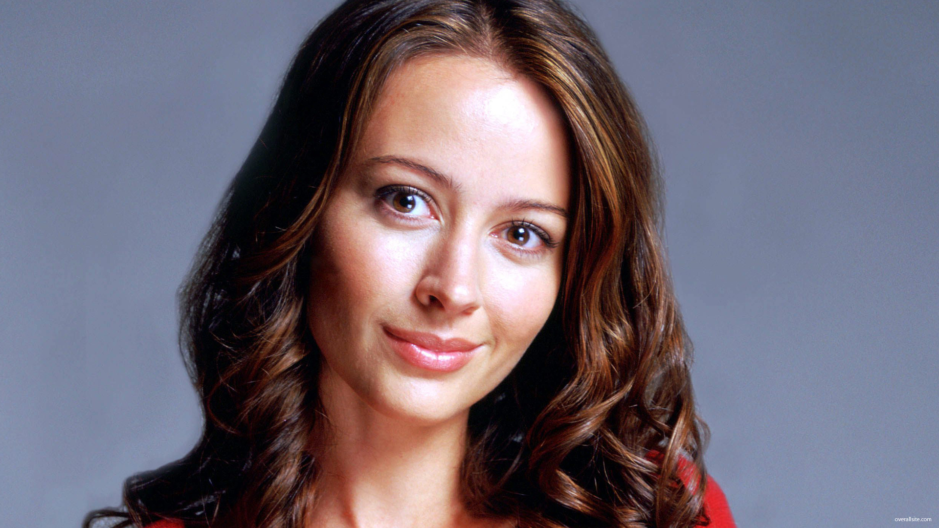 Download this Amy Acker Smile picture