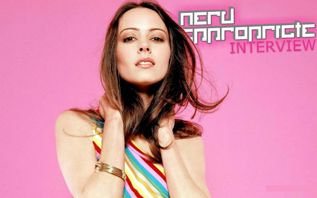 NA_AMY_ACKER_PINK